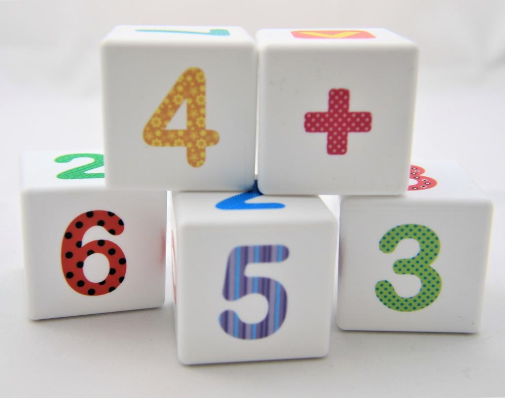 Кубики Весёлая арифметика 12 штук